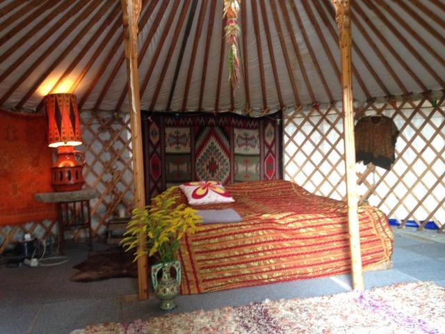 yurt_inside1
