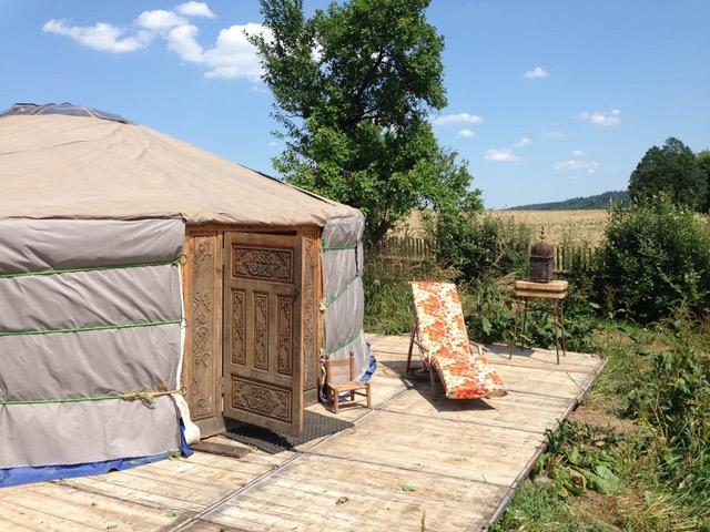 yurt_outside7